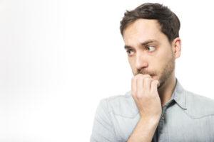 Comment vaincre la peur du regard des autres - 4 solutions