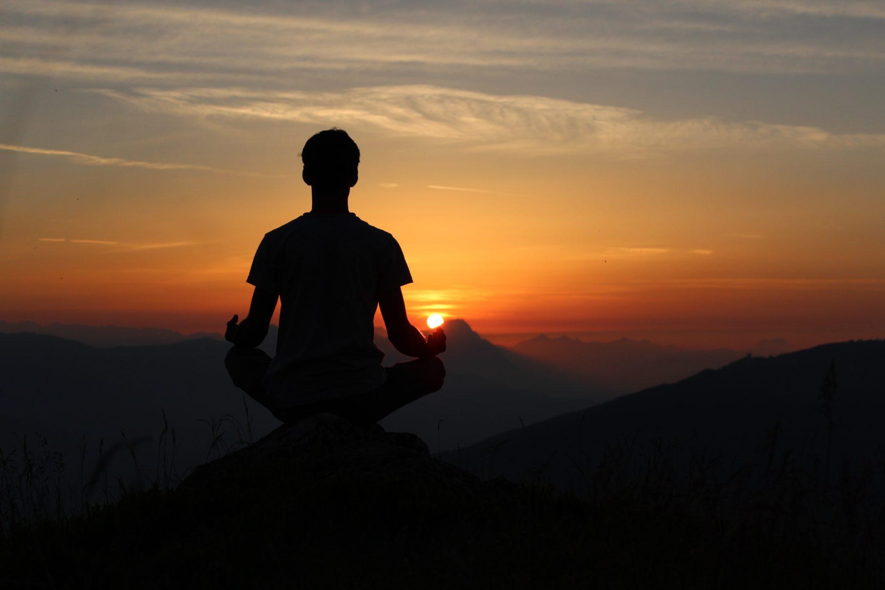 la méditation pour gérer son stress calmement