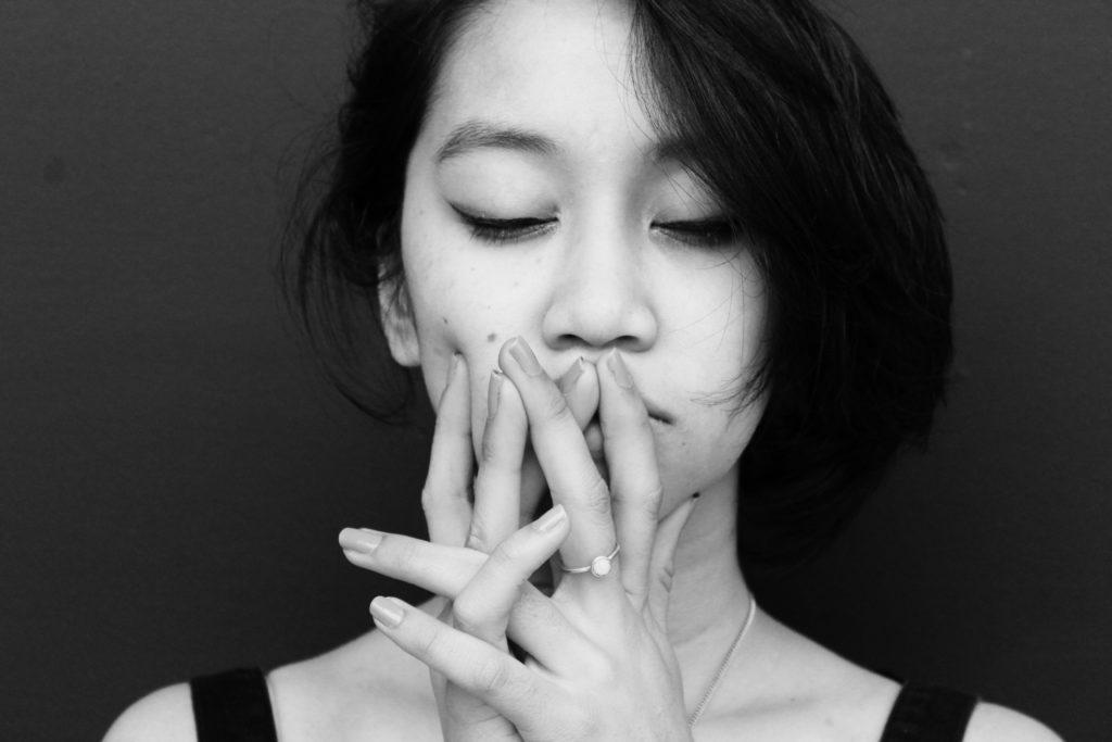 sensation de gorge serrée et nouée a cause du stress