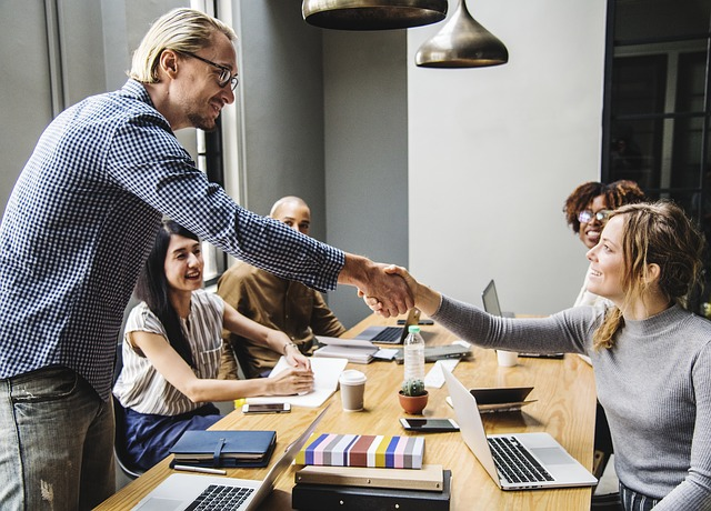 COMMENT AVOIR CONFIANCE EN SOI QUAND ON EST TIMIDE en réunion