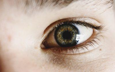 Comment regarder dans les yeux