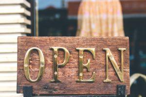 Être ouvert aux autres pour devenir sociable