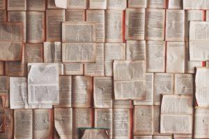 Lire des livres de développement personnel pour se motiver